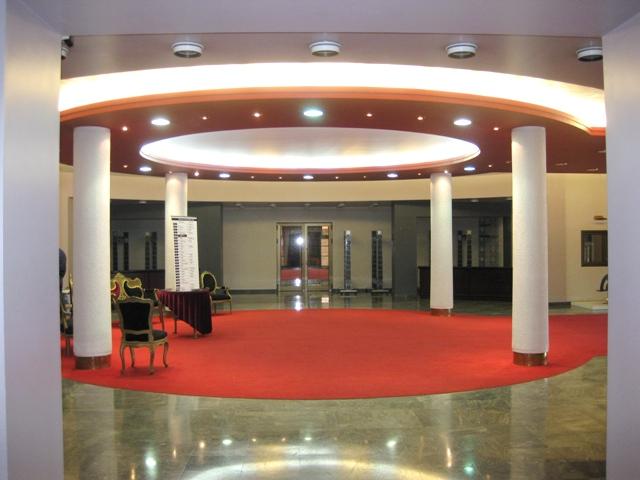 Najlepša pozorišta sveta 003-hol